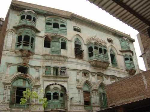 Raj_Kapoor_birth_place_burhan